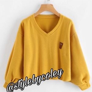 Sweaters - V-Neck Cropped Pullover Sweater